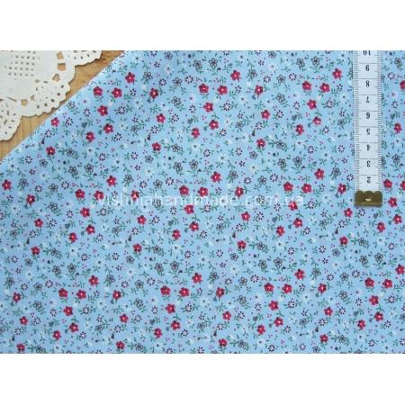 """Поплин """"Мелкие малиновые цветочки на голубом"""", 25*36 см"""