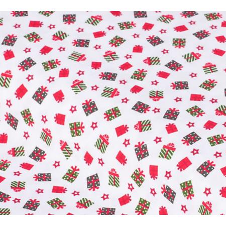 """Отрез немецкого новогоднего хлопка для рукоделия """"Подарки на белом"""", 25*36 см"""