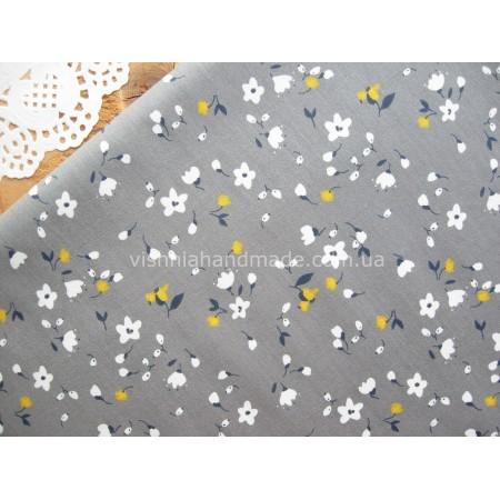 """Отрез сатина для рукоделия """"Белые, желтые цветочки на графитовом"""", 50*40 см"""